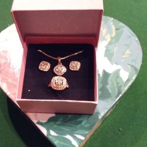 Gold plated necklace/earrings/ring set w crystals